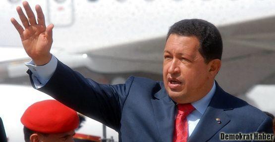 Chavez tedavi için Küba'da