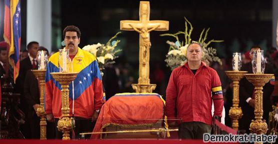 Chavez'i milyonlarca kişi uğurladı