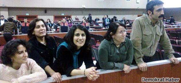 ÇHD'li 4 avukat tahliye edildi