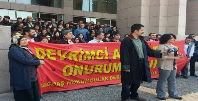 ÇHD'li avukatlar 'eşitsizliği' ve Soma Katliamı'nı protesto etti