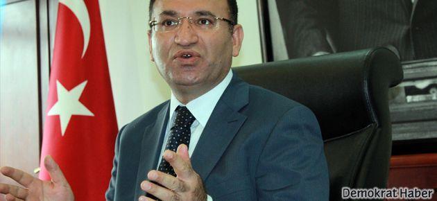 'CHP ve MHP oturunca sıkıntı yok, biz oturunca kıyamet koparılıyor'