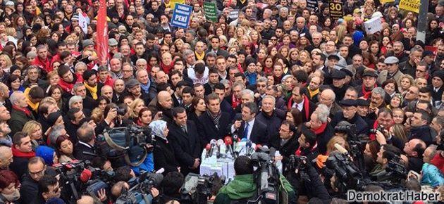CHP'den Taksim'de yolsuzluk protestosu