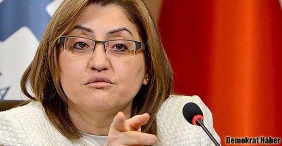 CHP'lilerden Fatma Şahin'e protesto