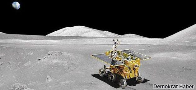 Çin insansız uzay aracını Ay'a indirdi