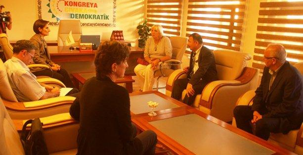 Claudia Roth DTK'yı ziyaret etti