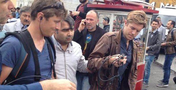 CNN International muhabiri Taksim'de gözaltına alındı