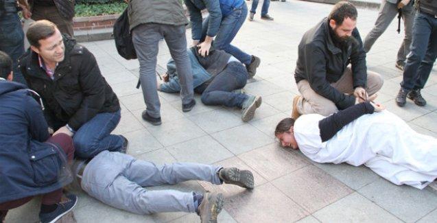 Çocuk ölümlerini protestoya yaka paça gözaltı