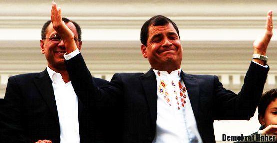 Correa zaferini Hugo Chavez'e adadı