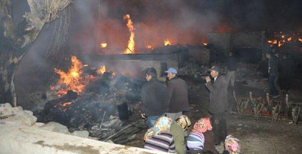 Çorum'da 30 ev yangında kül oldu