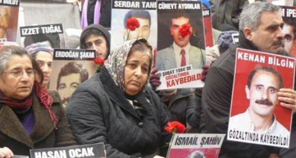 'Cumartesi Annesi', gözaltında kaybedilen eşini bulamadan yaşamını yitirdi