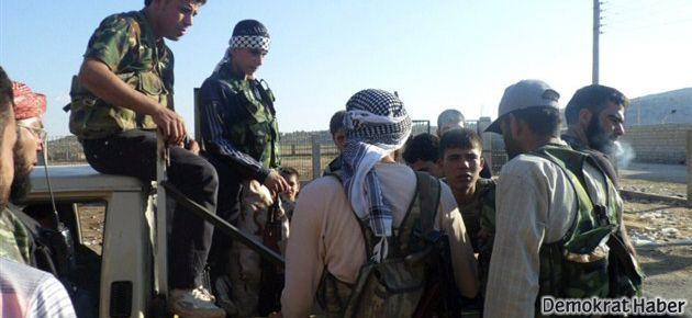 Daily Telegraph: Muhalifler Alevilere saldırıyor