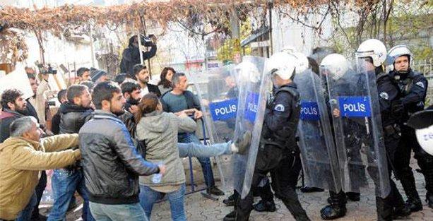 Davutoğlu, Dersim'deki protestolar nedeniyle belediye ziyaretini iptal etti