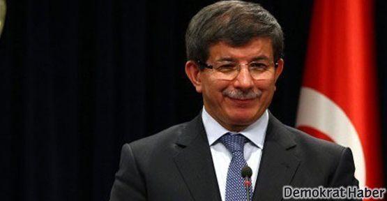 Davutoğlu parçalanmaktan bahsetti; öğrenciler katliamlardan