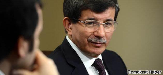 Davutoğlu: Suriye'de tüm kırmızı çizgiler aşıldı