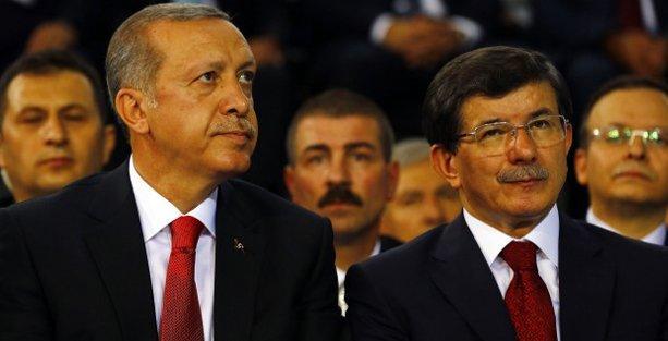 Davutoğlu'na göre gayrimüslimler 'eşit', Erdoğan'a göre 'affedersiniz'