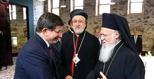 Davutoğlu'ndan Süryanilere kilise vaadi