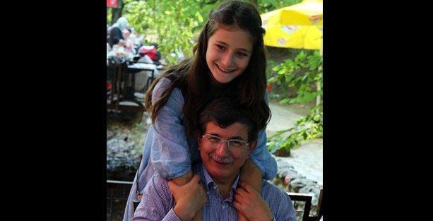 'Davutoğlu'nun kızı dersten zayıf aldı, öğretmen sınıftan alındı' iddiası