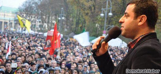 Demirtaş: Almanya bir milyon Kürdü yasaklayamaz!