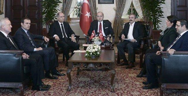 Demirtaş: Erdoğan Dolmabahçe'deki oturma düzenini bile biliyordu