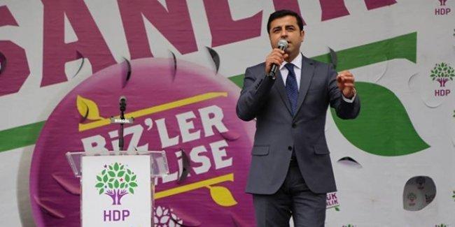 Demirtaş'tan Erdoğan'a: Sen Maho Ağa'sın yanındaki başbakan da Bilo