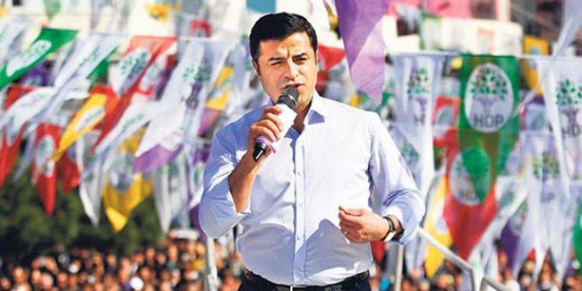 Demirtaş'tan Cumhuriyet'e düzeltme: AKP'ye destek olmayacağız, burunlarını sürteceğiz
