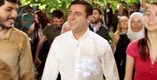Demirtaş ve Yüksekdağ, HDP'nin yeni reklam filmindeki 'Biz'ler Halayı'nda