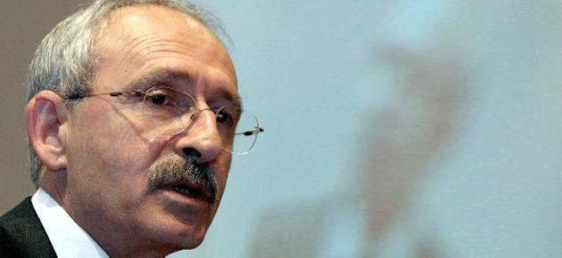 'Demokrasi isteyenlerin öldürüldüğü rejime dikta denir'