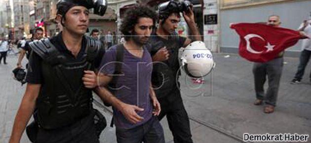Demokrat Haber editörü Bekir Avcı böyle gözaltına alındı