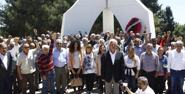 Deniz'ler Mersin'de 'Üç Fidan' anıtı önünde anıldı