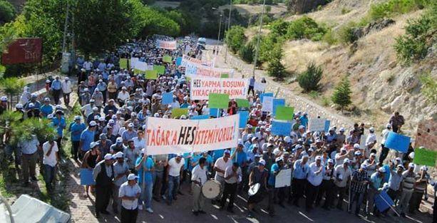 Dersim'de 4 bin kişi HES'leri protesto etti
