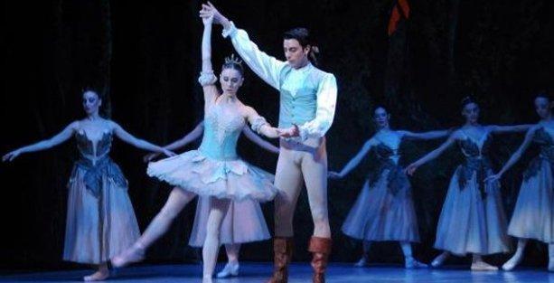 Devlet Opera ve Balesi'nde 'tüm personel'e şort, tayt yasağı!
