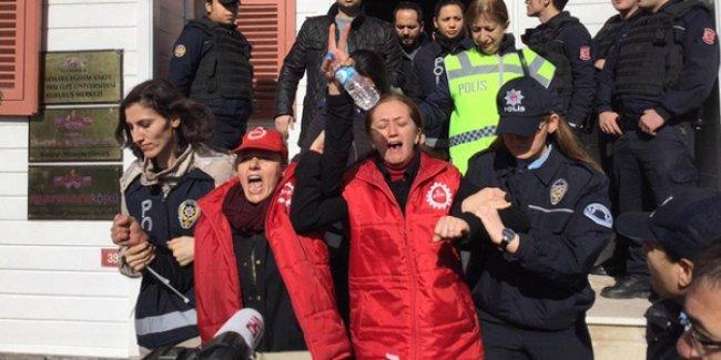 DİSK Genel Sekreteri Arzu Çerkezoğlu ve 35 işçi bırakıldı