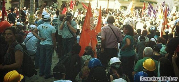 DİSK yürüyüşe başladı, KESK'e TOMA engeli