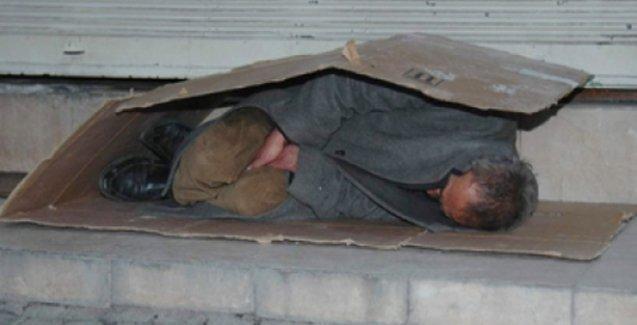 Diyanet'e 'Camiler, evsiz ve mültecilere açılsın' çağrısı