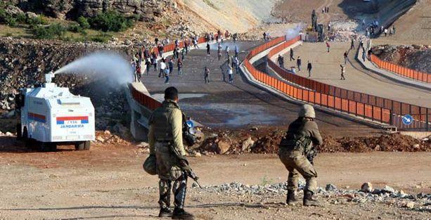 Lice'de Diyarbakır-Bingöl karayolu yeniden trafiğe kapatıldı