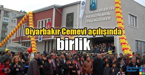 Diyarbakır Cemevi açılışında birlik