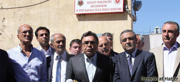 Diyarbakır Cezaevi önünde 12 Eylül protestosu