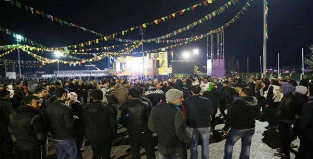 Diyarbakır'da halk geceden Newroz alanına geçmeye başladı