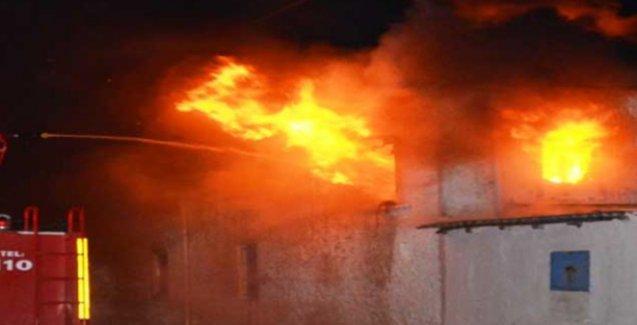 Diyarbakır'da yangın bir aileyi yok etti