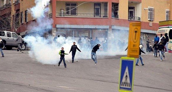 Diyarbakır'da, eyleme katılan çocukların ailelerine para cezası