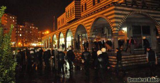 Diyarbakır'da gece protestosuna polis müdahalesi
