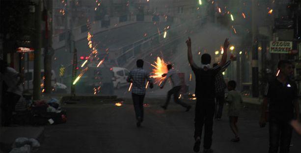 Diyarbakır'da göstericilere ateş açıldı iddiası