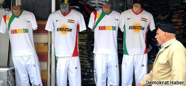 Diyarbakır'da 'Kürdistan' yazılı tişörtler revaçta