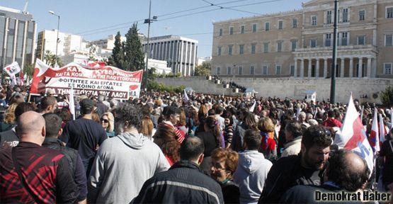 Dört Yunanlı'dan biri işsiz