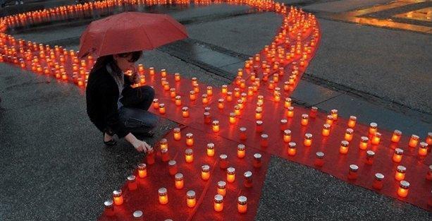Dünya AIDS Günü'nde Sağlık Bakanlığı'na eşit tedavi çağrısı