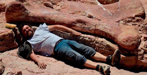 Dünyanın en büyük dinozoru Arjantin'de bulundu