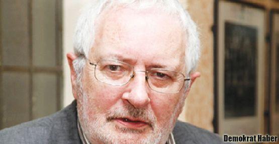 Eagloton, Pamuk'un açlık grevi sessizliğini eleştirdi
