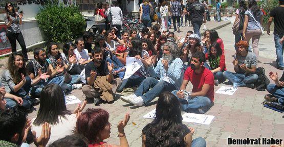 Ege Üniversitesi'nde puşili eylem