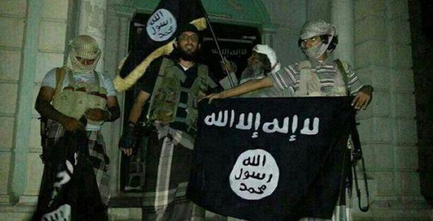 El Kaide militanları Yemen'de 14 askeri öldürdü