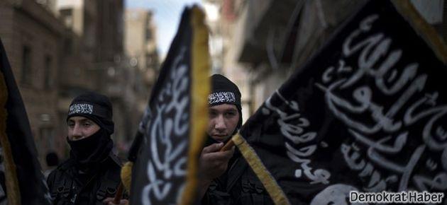 El Kaide yanlıları: Suriye'ye Türkiye'den gidiyoruz